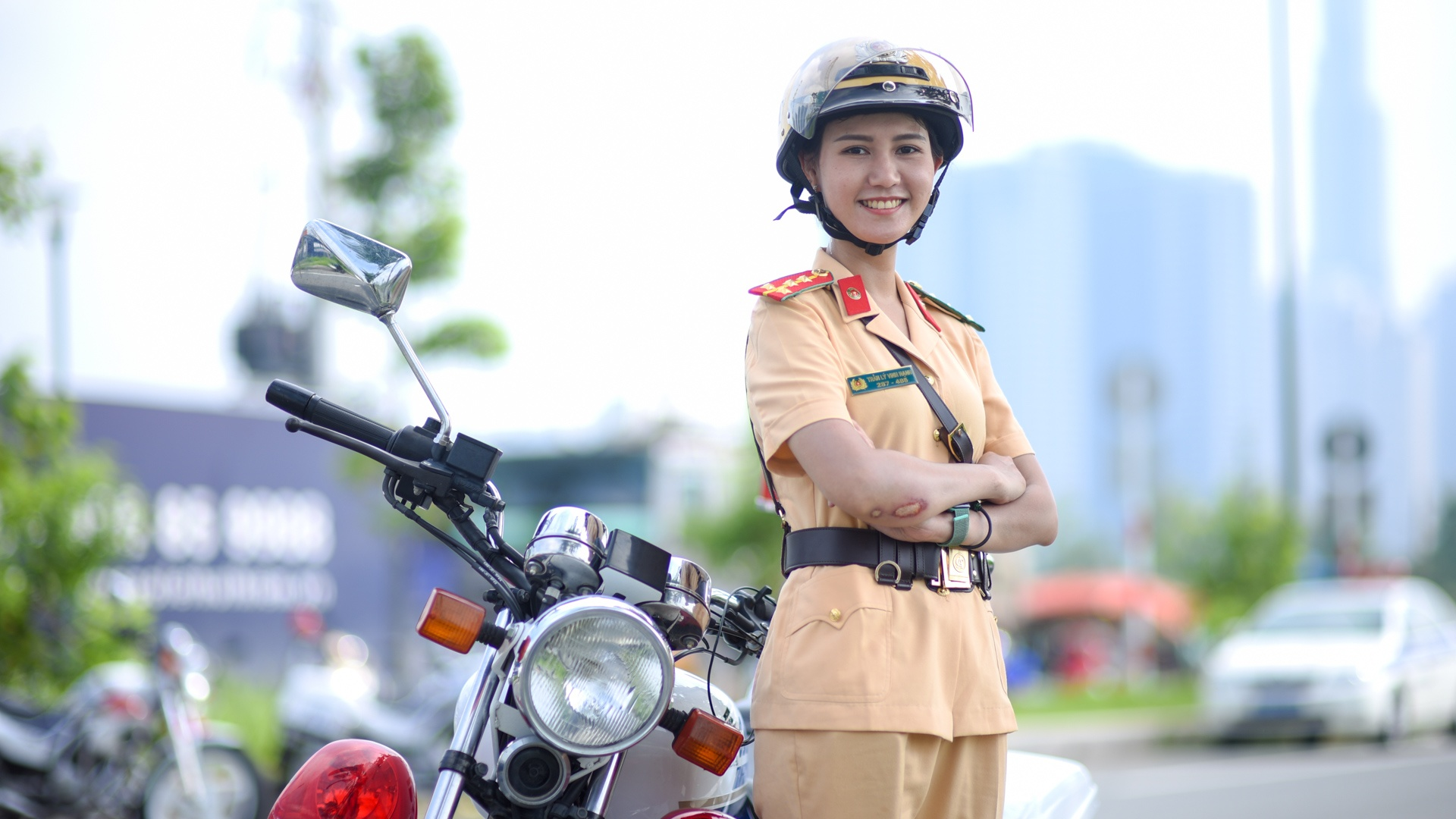 Nu canh sat giao thong anh 1